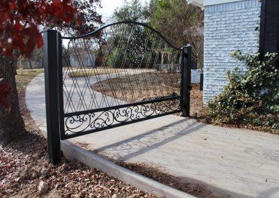 Anita Driveway Gate - drive view