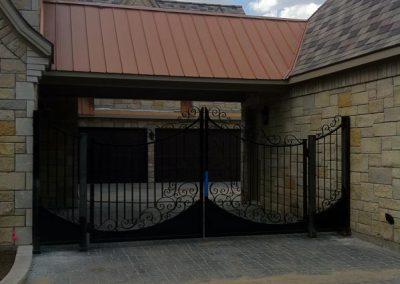 Boyd driveway gate installed