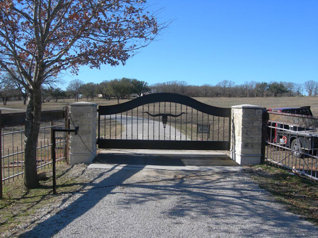 Longhorn Driveway Gate Aberdeen Gate