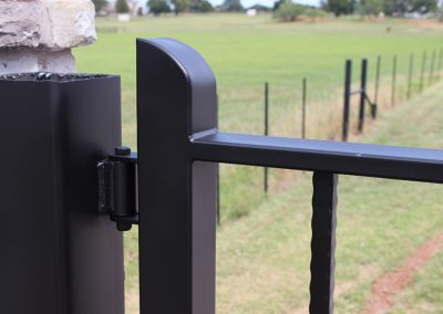 driveway iron gate hinge post