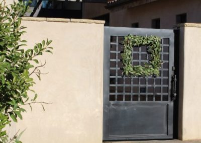 other finished gate with wreath deco