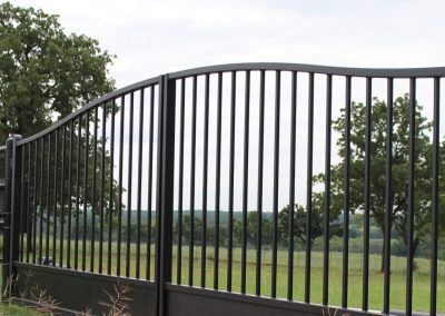 Simply Curved Double Iron Gates