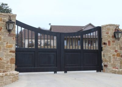 Old-World Style Double-Sliding Gates