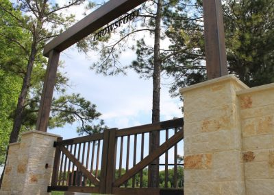 ranch style iron gates with header