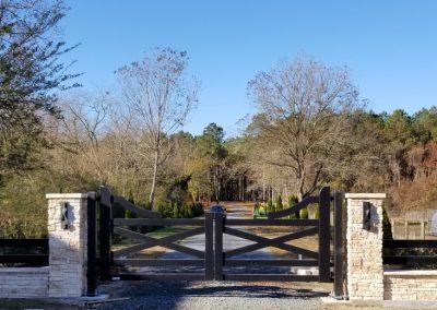 farmhouse style aluminum gate