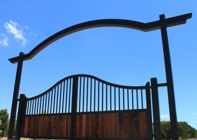 scalloped ranch gate design