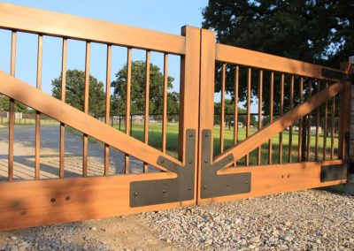 faux wood painted aluminum gate
