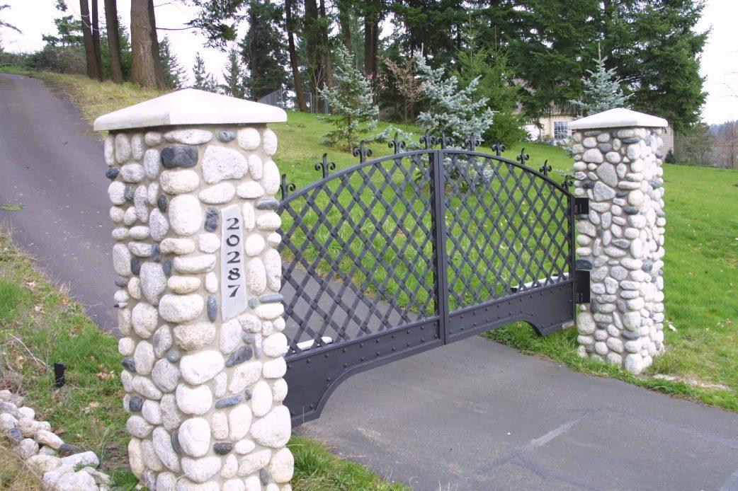 upwards sloping driveway gate