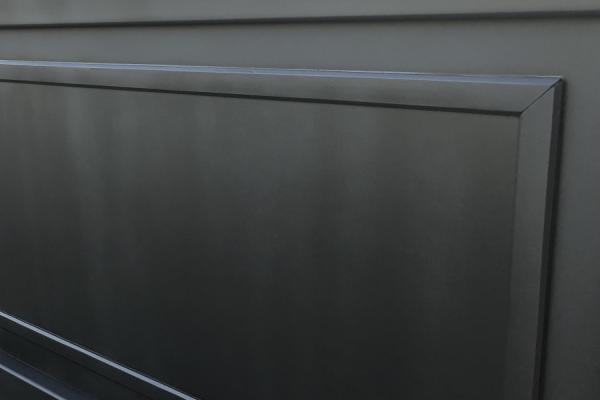 black gate paint problem