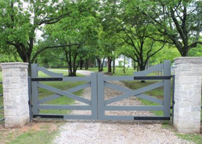 Modern Farmhouse Style Aluminum Gate